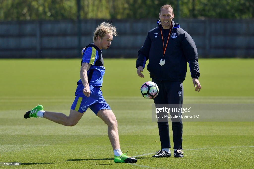 Tom Davies (L) and Duncan Ferguson during the Everton FC training session at USM Finch Farm on May 4, 2017 in Halewood, England.