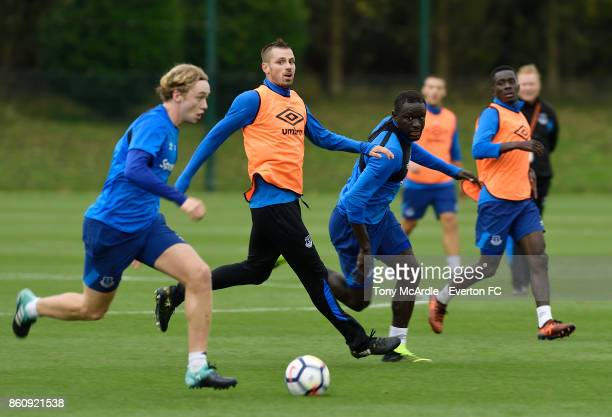 Tom Davies Morgan Schneiderlin and Oumar Niasse during the Everton training session at USM Finch Farm on October 13 2017 in Halewood England