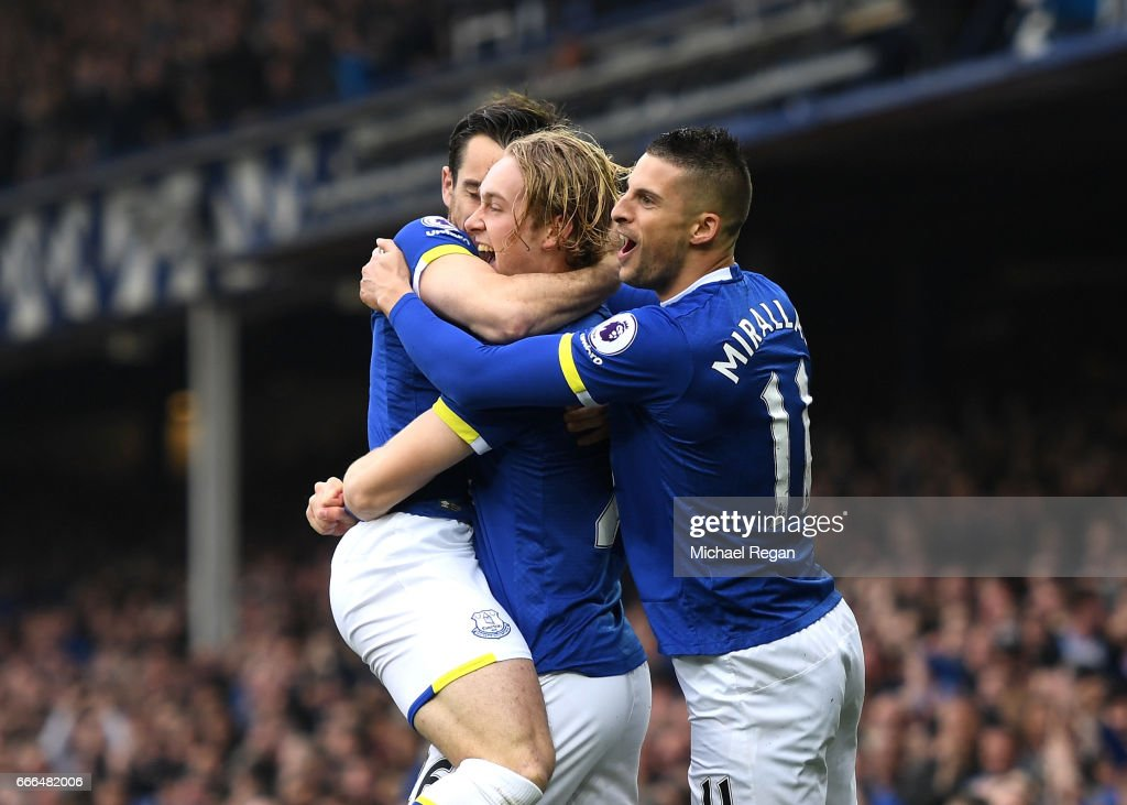 Tom Davies of Everton celebrates scoring the opening goal with Kevin Mirallas (R) during the Premier League match between Everton and Leicester City at Goodison Park on April 9, 2017 in Liverpool, England.