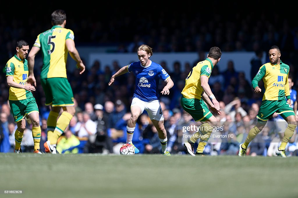 Tom Davies of Everton during the Barclays Premier League match between Everton and Norwich City at Goodison Park on May 15, 2016 in Liverpool, England.