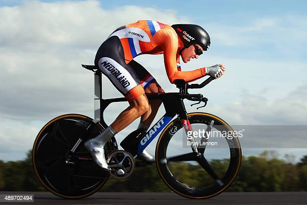 Tom Dumoulin of The Netherlands in action during the Elite Men Time Trial on day five of the UCI Road World Championships on September 23 2015 in...