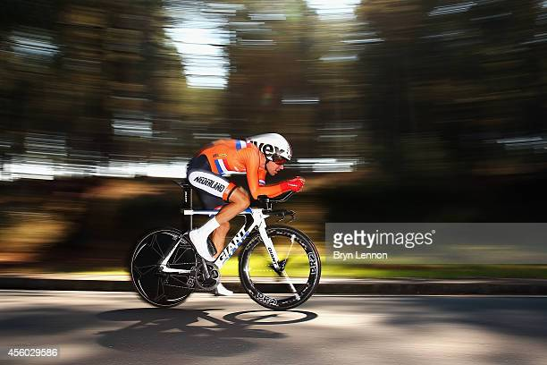 Tom Dumoulin of The Netherlands in action on his way to 3rd place in the Elite Men's Individual Time Trial on day four of the UCI Road World...