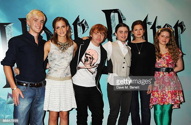 Tom Felton Emma Watson Rupert Grint Daniel Radcliffe Bonnie Wright and Jessie Cave pose during the photocall of 'Harry Potter And The HalfBlood...