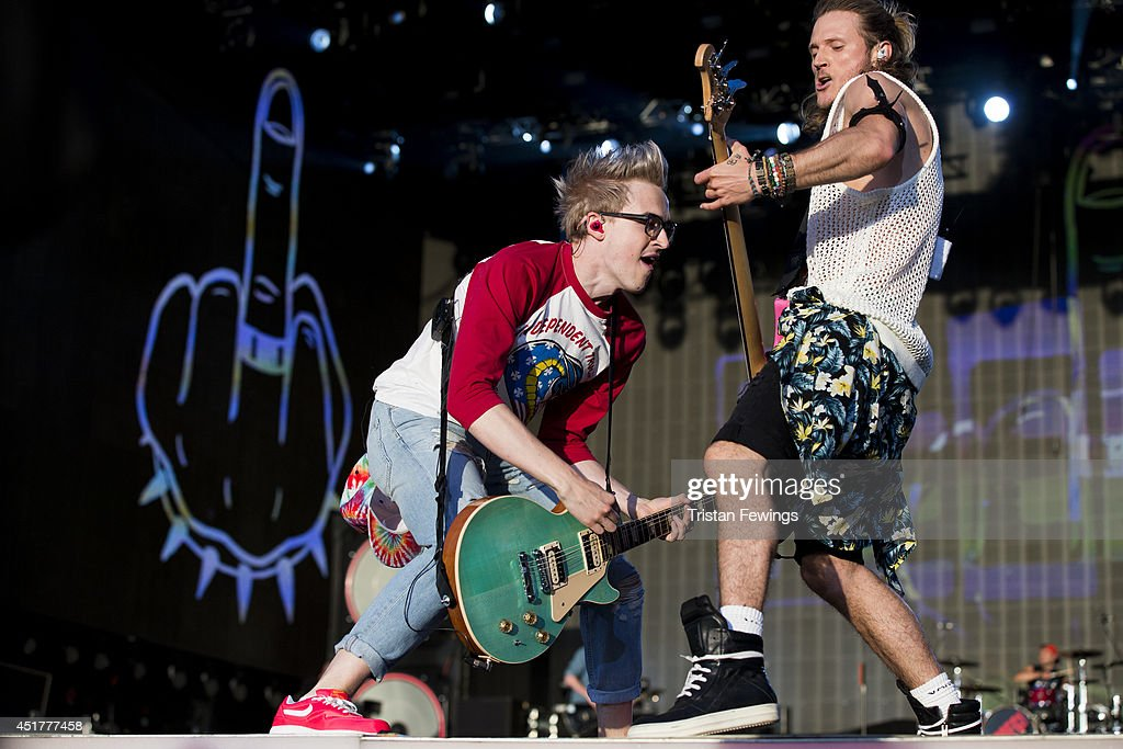 <a gi-track='captionPersonalityLinkClicked' href=/galleries/search?phrase=Tom+Fletcher&family=editorial&specificpeople=213300 ng-click='$event.stopPropagation()'>Tom Fletcher</a> (L) and <a gi-track='captionPersonalityLinkClicked' href=/galleries/search?phrase=Dougie+Poynter&family=editorial&specificpeople=214057 ng-click='$event.stopPropagation()'>Dougie Poynter</a> (R) of McBusted performs on stage at British Summer Time Festival at Hyde Park on July 6, 2014 in London, United Kingdom.