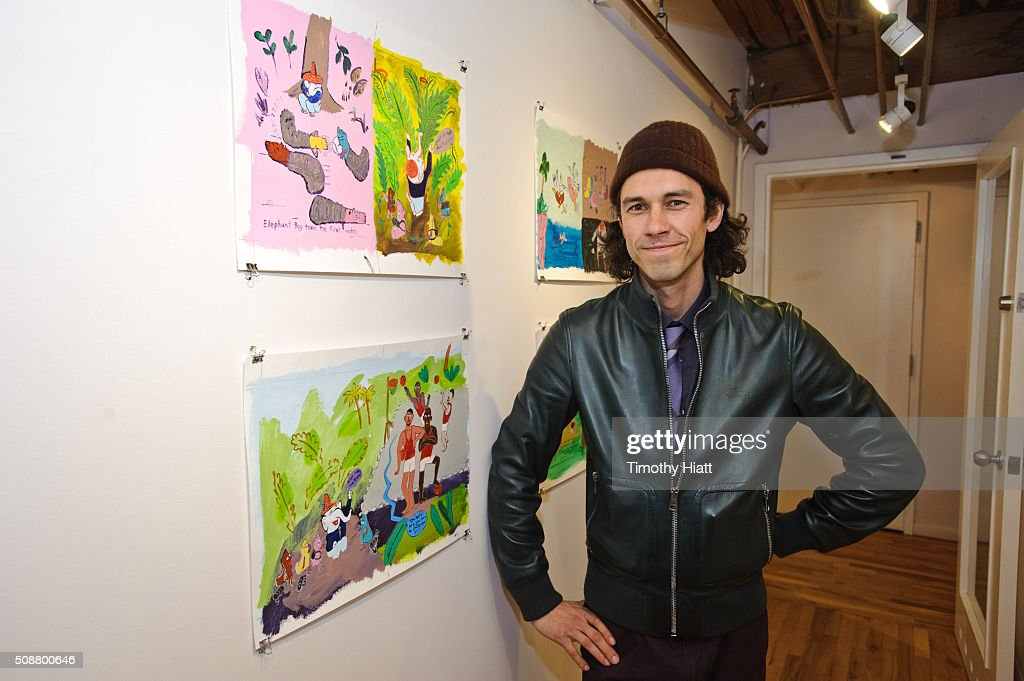 Tom Franco attends the showing of the 'When Worlds Collide' exhibit with Tom Franco And Vivian van Blerk on February 6, 2016 in Chicago, Illinois.