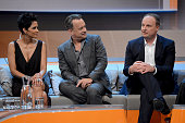 Tom Hanks and Halle Berry react to Oliver Welke during the 'Wetten dass' show on November 3 2012 in Bremen Germany