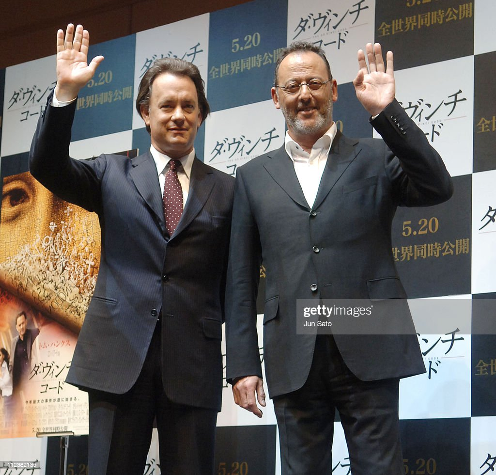 ¿Cuánto mide Jean Reno? - Altura - Real height Tom-hanks-and-jean-reno-during-the-da-vinci-code-tokyo-press-at-park-picture-id112382135