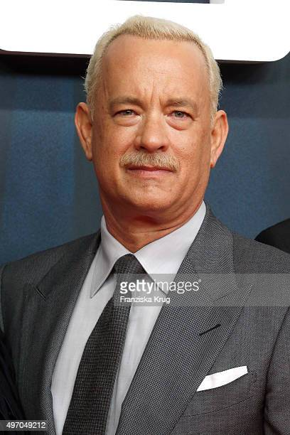 Tom Hanks attends the 'Bridge of Spies Der Unterhaendler' World Premiere on November 13 2015 in Berlin Germany
