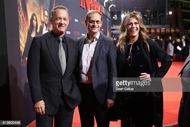 Tom Hanks his wife Rita Wilson and Berlin mayor Michael Mueller attend the German premiere of the film 'INFERNO' at Sony Centre on October 10 2016 in...