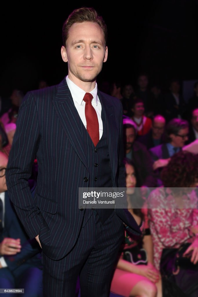 tom-hiddleston-attends-the-gucci-show-during-milan-fashion-week-on-picture-id643802694