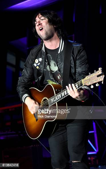 Tom Higgenson of Plain White T's performs at the United Talent Agency Party during day 2 of the IEBA 2016 Conference on October 10 2016 in Nashville...