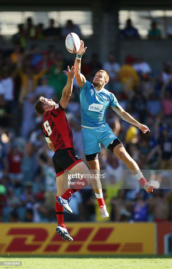 Tom Isaacs of Wales competes with Eduard Filatov of Russia at a restart during the 2016 Sydney Sevens Shield Final match between Wales and Russia at Allianz Stadium on February 7, 2016 in Sydney, Australia.