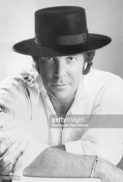 Tom Jones in Matador 1987