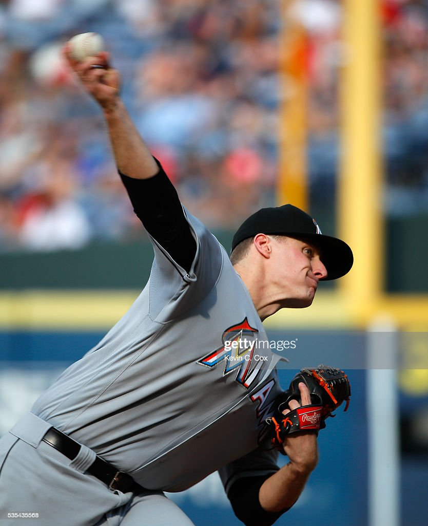 Tom Koehler #34 of the Miami Marlins pitches in the second inning against the Atlanta Braves at Turner Field on May 29, 2016 in Atlanta, Georgia.
