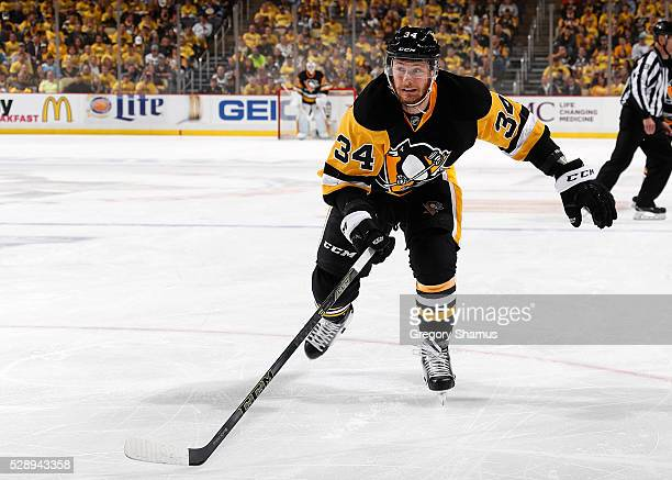 Tom Kuhnhackl of the Pittsburgh Penguins skates against the Washington Capitals in Game Three of the Eastern Conference Second Round during the 2016...