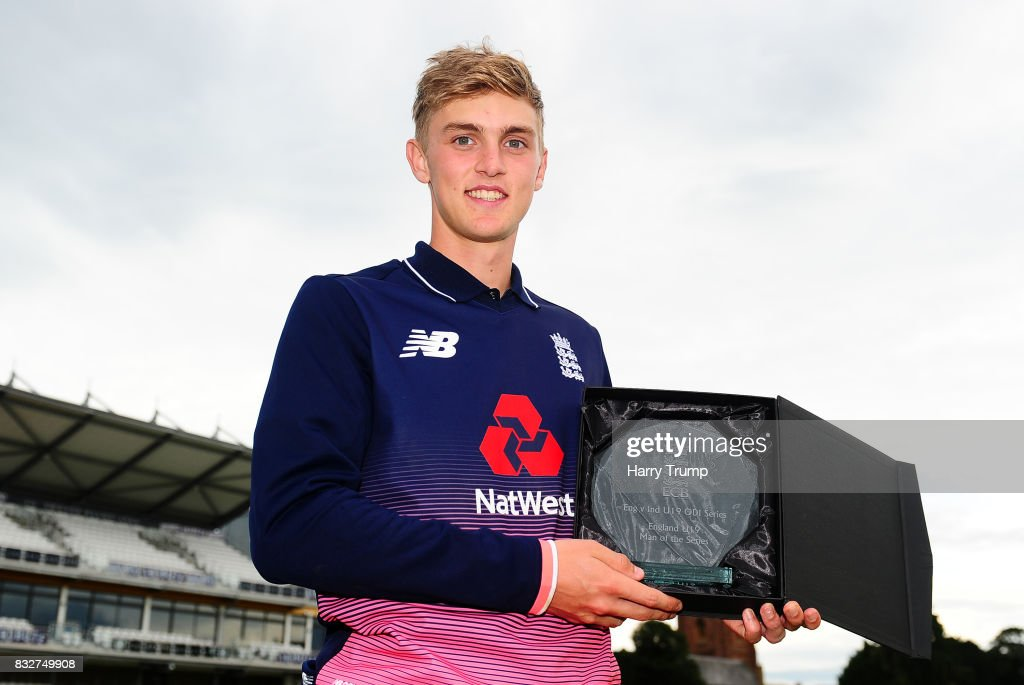 Tom Lammonby of England U19s poses with the England player of the Tournament award during the 5th Youth ODI match between England U19s and India Under 19s at The Cooper Associates County Ground on August 16, 2017 in Taunton, England.