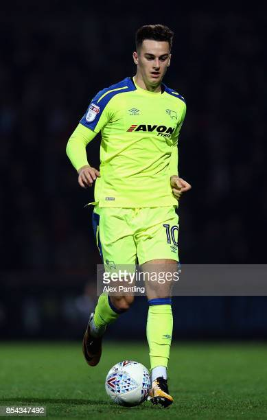Tom Lawrence of Derby County in action during the Sky Bet Championship match between Brentford and Derby County at Griffin Park on September 26 2017...