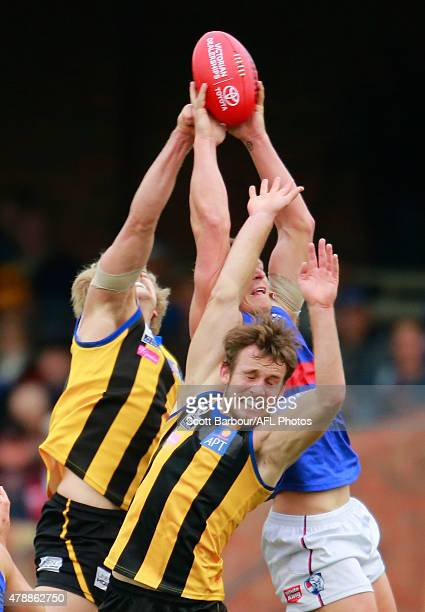 Tom Lee of Sandringham and Jack Redpath of Footscray Bulldogs compete for the ball during the round 11 VFL match between the Sandringham and...