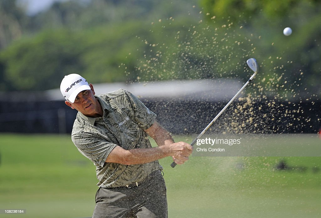 KA'UPULEHUKONA HI JANUARY 21 Tom Lehman a bunker on the 14th hole during the first round of the Mitsubishi Electric Championship at Hualalai Golf...