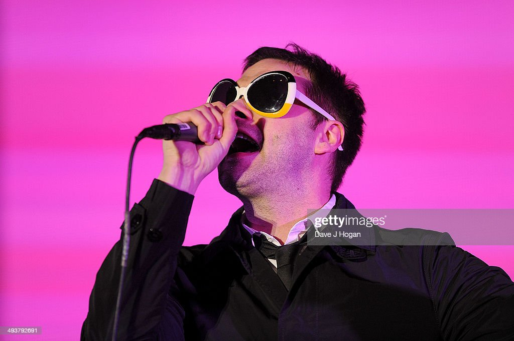 <a gi-track='captionPersonalityLinkClicked' href=/galleries/search?phrase=Tom+Meighan&family=editorial&specificpeople=210642 ng-click='$event.stopPropagation()'>Tom Meighan</a> of Kasabian performs live at Radio 1's Big Weekend at Glasgow Green on May 25, 2014 in Glasgow, Scotland.