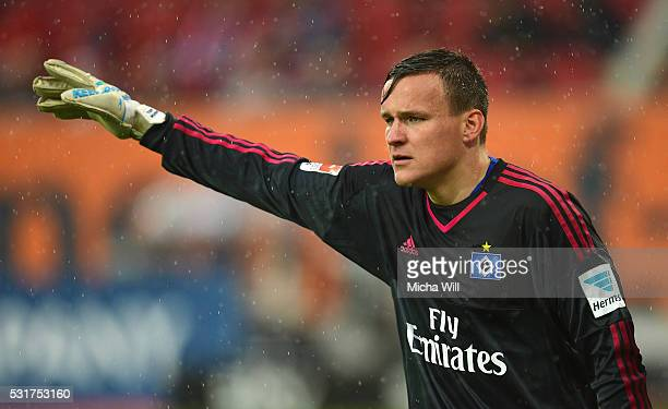 Tom Mickel goalkeeper of Hamburg gives advise during the Bundesiga match between FC Augsburg and Hamburger SV at SGL Arena on May 14 2016 in Augsburg...