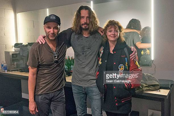 Tom Morello Chris Cornell and Susan Sarandon pose for a photo back stage at Teragram Ballroom during the AntiInaugural Ball on January 20 2017 in Los...