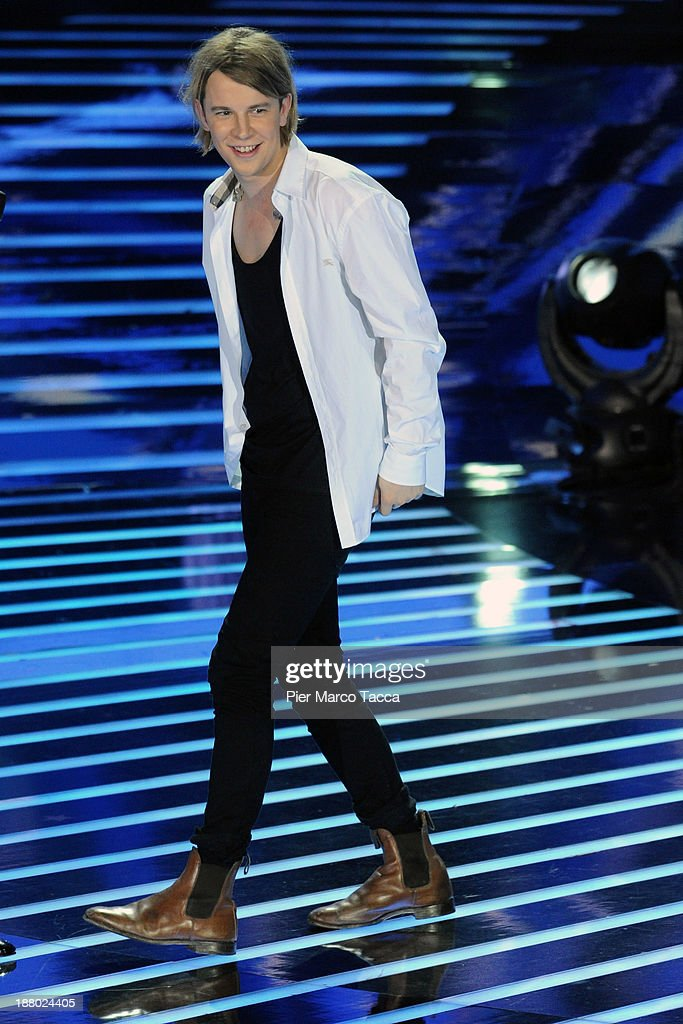 Tom Odell performs at 'X Factor 2013 Il Live' on November 14 2013 in Milan Italy