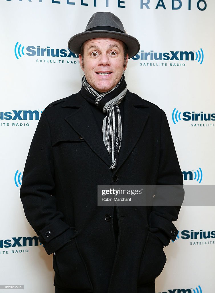Tom Papa visits at SiriusXM Studios on March 1, 2013 in New York City.