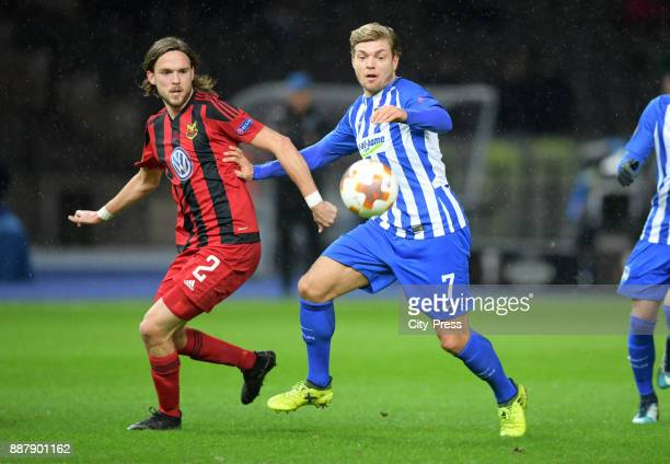 Tom Pettersson of Oestersunds FK and Alexander Esswein of Hertha BSC during the Uefa Europa League Group J match between Hertha BSC and Oestersunds...