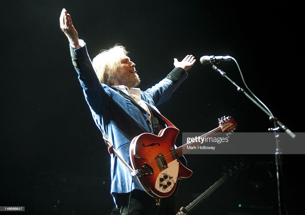 <a gi-track='captionPersonalityLinkClicked' href=/galleries/search?phrase=Tom+Petty&family=editorial&specificpeople=224789 ng-click='$event.stopPropagation()'>Tom Petty</a> performs on stage at the Isle of Wight Festival at Seaclose Park on June 22, 2012 in Newport, United Kingdom.