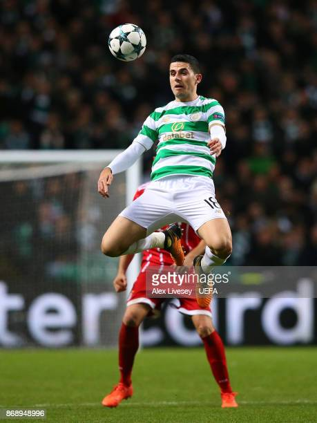 Tom Rogic of Celtic FC controls the ball during the UEFA Champions League group B match between Celtic FC and Bayern Muenchen at Celtic Park on...