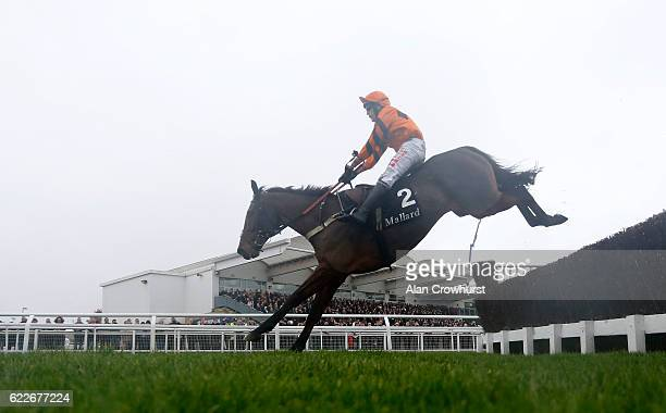 Tom Scudamore riding Thistlecrack on their way to winning The mallardjewellerscom Novices' Steeple Chase at Cheltenham Racecourse on November 12 2016...