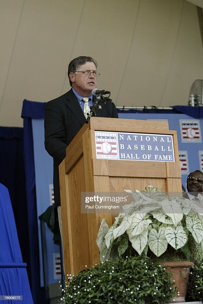 Tom Seaver delivers speech to audience during the Baseball Hall of Fame Induction Ceremonies at the Clark Sports Center in Cooperstown, New York on July 29, 2007.