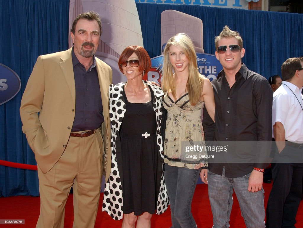 Meet the robinsons los angeles premiere arrivals for Hannah margaret mack selleck photo