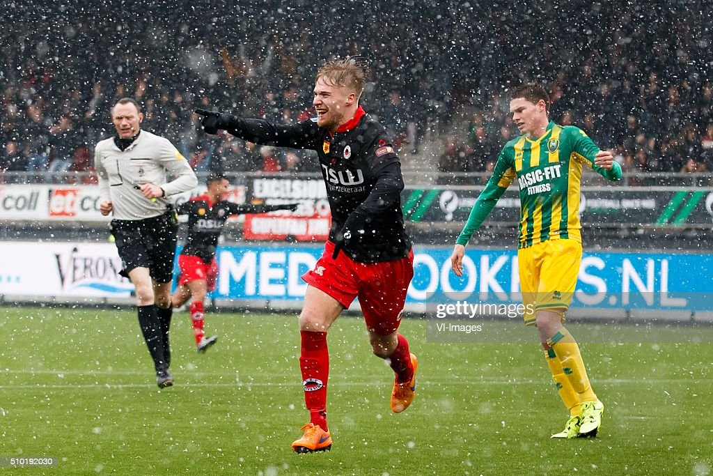 Tom van Weert of Excelsior, Danny Bakker of ADO Den Haag during the Dutch Eredivisie match between Excelsior Rotterdam and ADO Den Haag at Woudenstein stadium on February 14, 2016 in Rotterdam, The Netherlands