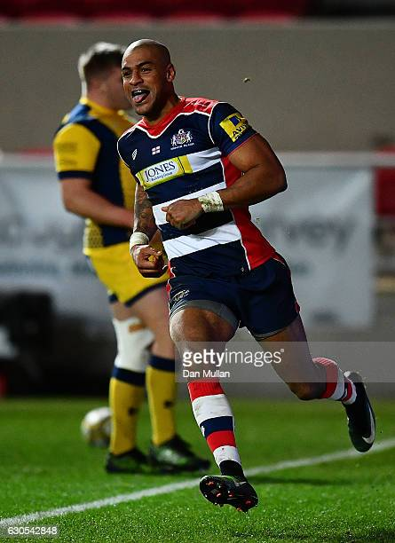Tom Varndell of Bristol Rugby celebrates scoring his side's third try during the Aviva Premiership match between Bristol Rugby and Worcester Warriors...