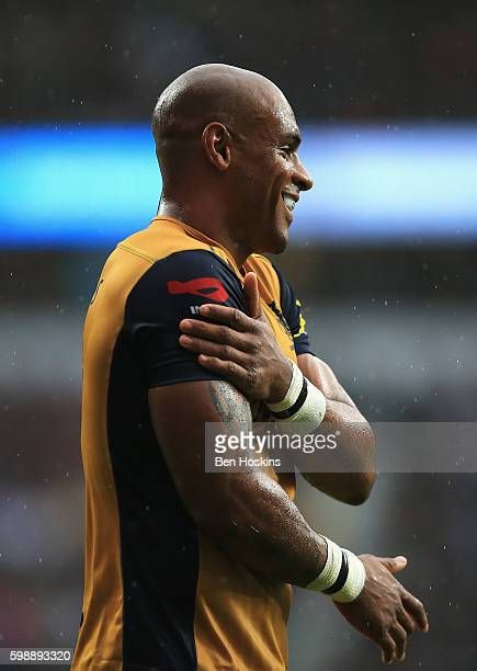 Tom Varndell of Bristol Rugby celebrates scoring the opening try during the Aviva Premiership match between Harlequins and Bristol at Twickenham...