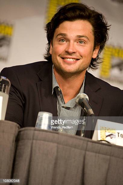 Tom Welling speaks at the Smallville panel at ComicCon on July 24 2010 in San Diego California