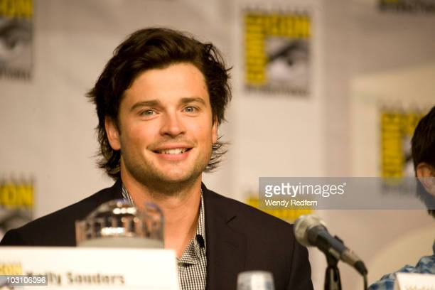 Tom Welling speaks at the Smallville panel at ComicCon on July 25 2010 in San Diego California