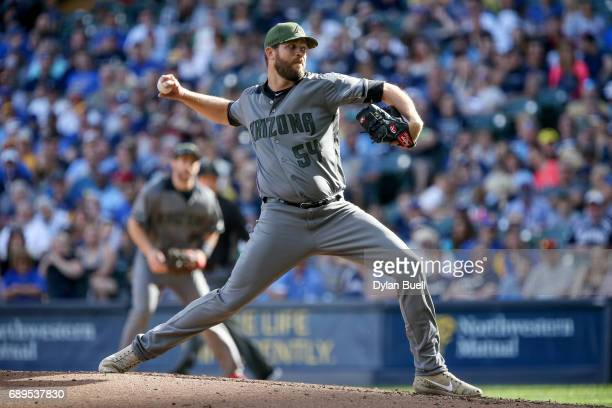 Tom Wilhelmsen of the Arizona Diamondbacks pitches in the sixth inning against the Milwaukee Brewers at Miller Park on May 27 2017 in Milwaukee...