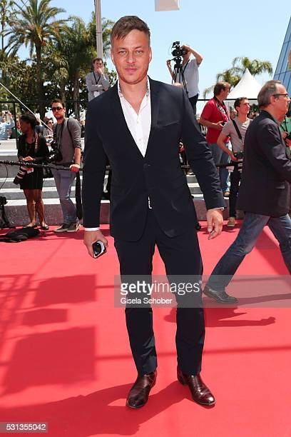 Tom Wlaschiha attends the 'Toni Erdmann' premiere during the 69th Annual Cannes Film Festival at the Palais des Festivals on May 14 2016 in Cannes...
