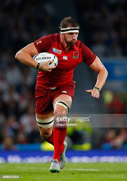 Tom Wood of England runs with the ball during the 2015 Rugby World Cup Pool A match between England and Fiji at Twickenham Stadium on September 18...