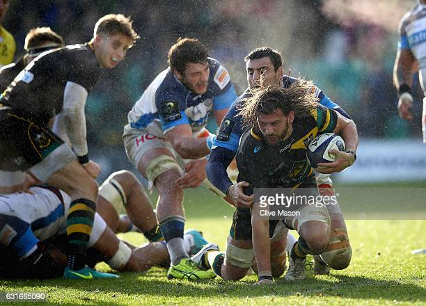 Tom Wood of Northampton in action during the European Rugby Champions Cup match between Northampton Saints and Castres Olympique at Franklins Gardens...