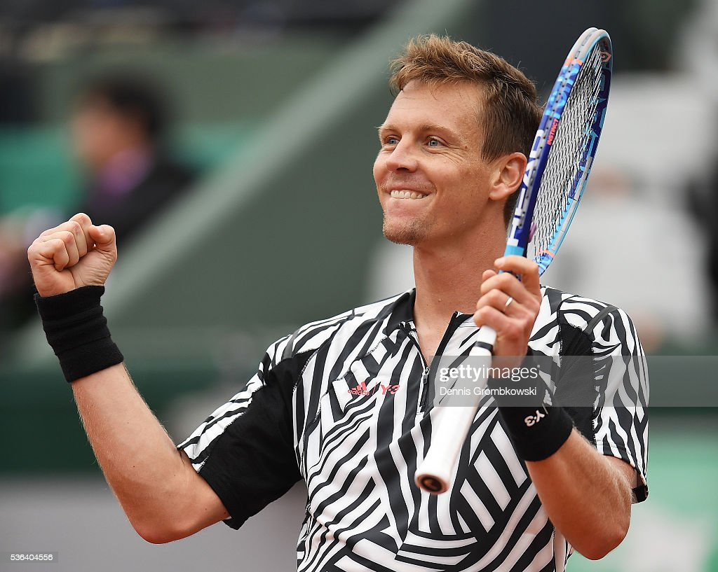 <a gi-track='captionPersonalityLinkClicked' href=/galleries/search?phrase=Tomas+Berdych&family=editorial&specificpeople=239147 ng-click='$event.stopPropagation()'>Tomas Berdych</a> of Czech Republic celebrates victory during the Men's Singles fourth round match against David Ferrer of Spain on day eleven of the 2016 French Open at Roland Garros on June 1, 2016 in Paris, France.
