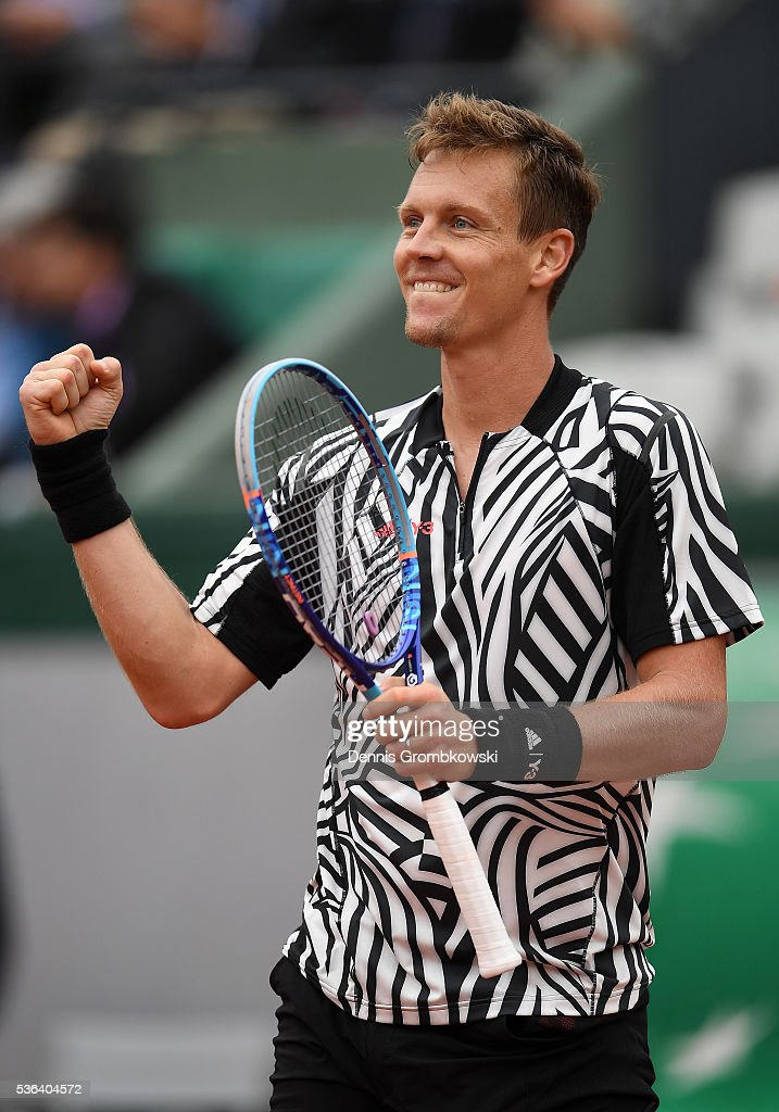 Tomas Berdych of Czech Republic celebrates victory during the Men's Singles fourth round match against David Ferrer of Spain on day eleven of the 2016 French Open at Roland Garros on June 1, 2016 in Paris, France.