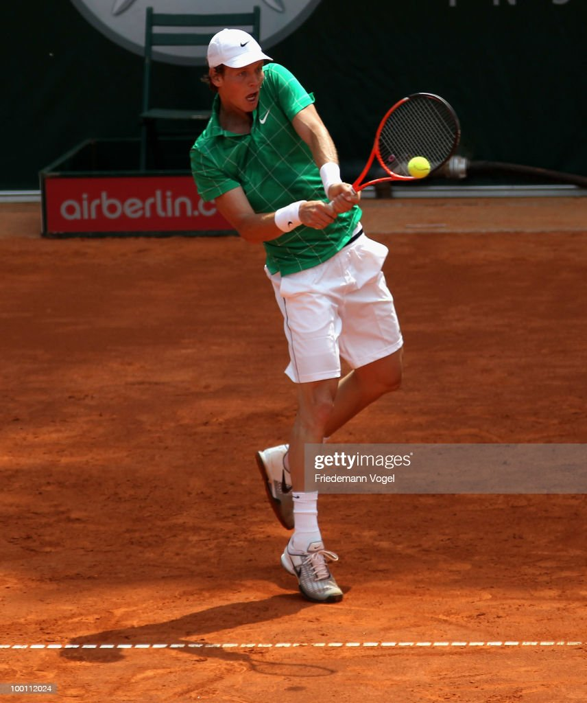 Tomas Berdych of Czech Republic in action during his match against John Isner of USA during day six of the ARAG World Team Cup at the Rochusclub on May 21, 2010 in Duesseldorf, Germany.