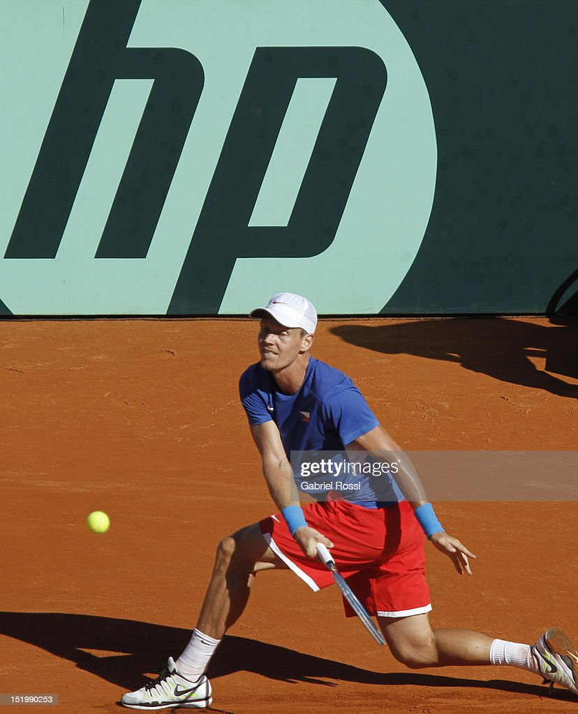 <a gi-track='captionPersonalityLinkClicked' href=/galleries/search?phrase=Tomas+Berdych&family=editorial&specificpeople=239147 ng-click='$event.stopPropagation()'>Tomas Berdych</a> of Czech Republic plays a shot during the second Davis Cup semi-final match between Argentina and Czech Republic at Mary Ter‡n de Weiss Stadium on September 14, 2012 in Buenos Aires, Argentina.