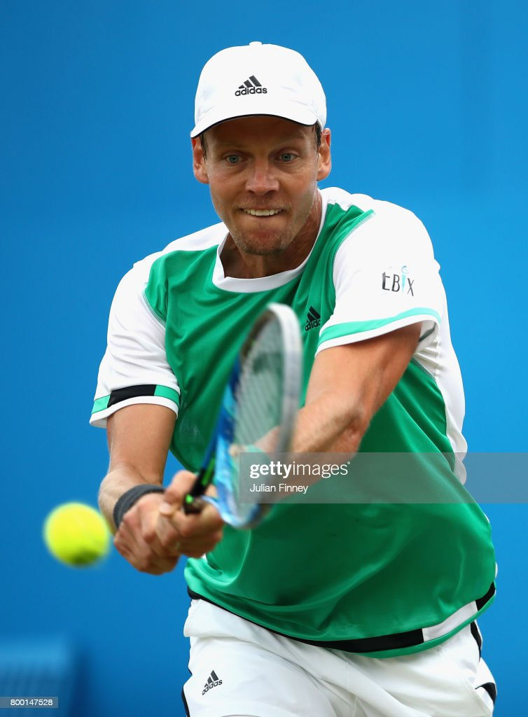 Tomas Berdych of The Czech Republic plays a backhand during the mens singles quarter final match against Feliciano Lopez of Spain on day five of the 2017 Aegon Championships at Queens Club on June 23, 2017 in London, England.
