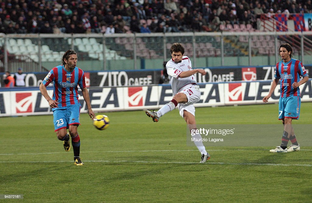 Tomas Danilevicius of AS Livorno scores a goal during the Serie A match between Catania and Livorno at Stadio Angelo Massimino on December 13 2009 in...
