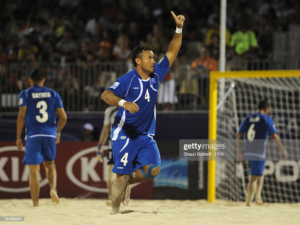 Tomas Hernandez celebrates after scoring during the FIFA Beach Soccer World Cup Tahiti 2013 Group B match between El Salvador and Netherlands at the Tahua To'ata stadium on September 21, 2013 in Papeete, French Polynesia.